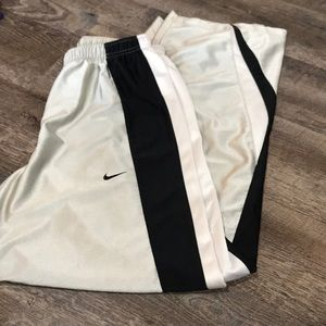 boy's silver nike sweatpants